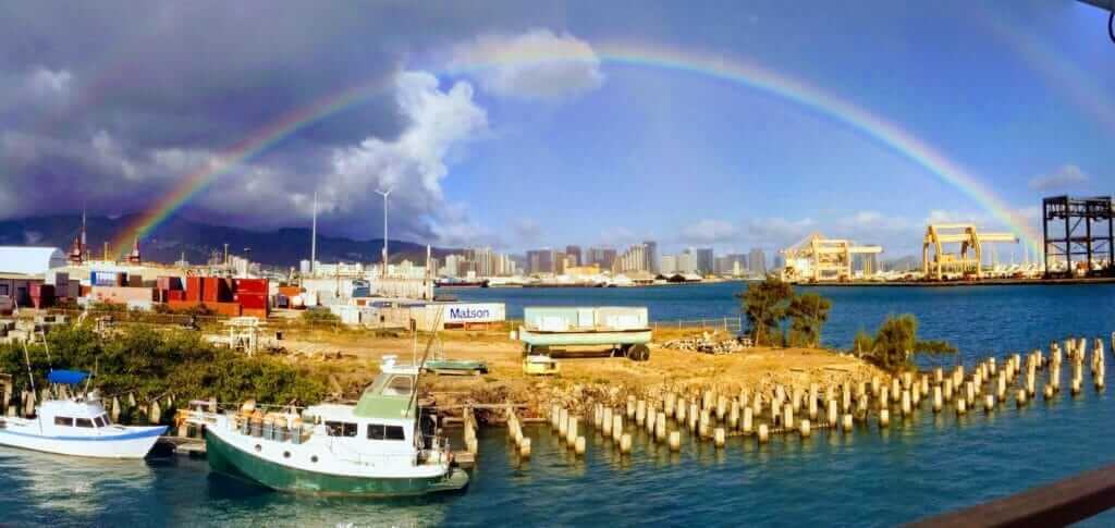Backpacking Oahu, Hawaii rainbow
