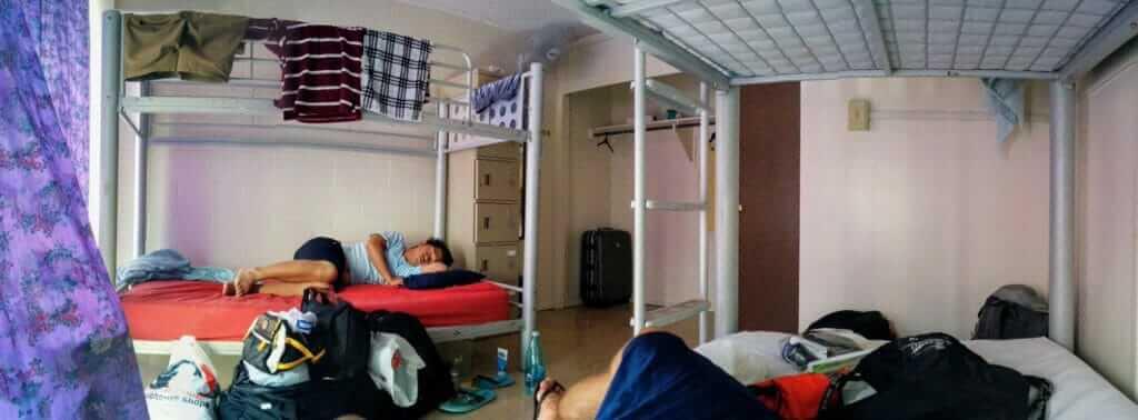 Hosteling International Waikiki hostel dorm room