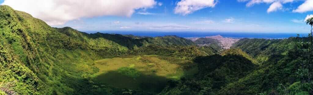 Ka'au Crater hike in Oahu overlooking Honolulu